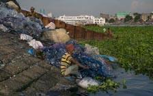 不仅是海洋 风景如画的淡水湖也正遭塑料之害