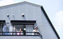 被困家中的日本男人开始分担家务,但这会持续吗?