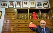 探秘为教皇缝制神职服饰的裁缝