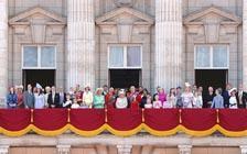 英国王室那些事儿:从戴安娜之死到安德鲁王子丑闻