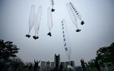 """让朝鲜愤怒,让韩国头疼:飞越国境的""""气球传单""""(VIP)"""